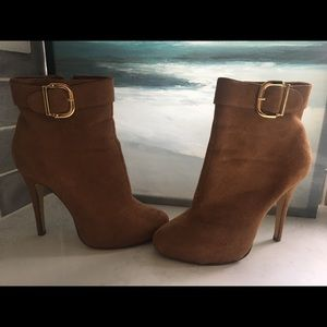 Michael Antonio 8.5 High Heel Zipper Suede Shoes